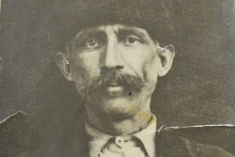Дедушка Азиза Абаза, Мохаммед Абаза (Мхце)