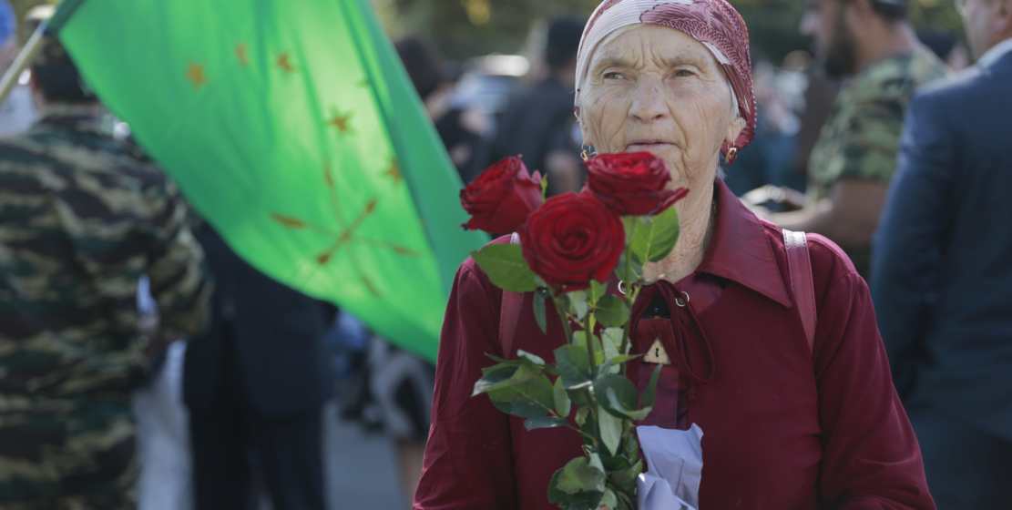 The main tradition of Victory Day is the laying of flowers at memorials in memory of the people of Abkhazia who died during the Patriotic War. Hundreds of people come to pay tribute to the dead soldiers on this day.