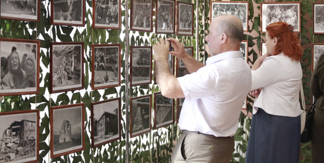 """At the State Museum of Military Glory named after Vladislav Ardzinba that day of photo exhibition of the military cameraman Vitaly Ketsba """"Echo of War"""" was held."""