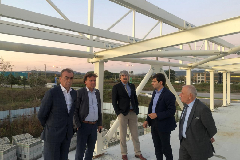 The WAC delegation visited the building of the Abkhaz cultural center under construction in Sakaria. The first donation for the construction of the center was made by the Chairman of the WAC Supreme Council Mussa Ekzekov.