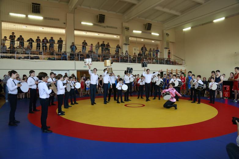 Турниром по вольной борьбе на кубок Экзекова открыт фестиваль «Абаза» в Абхазии
