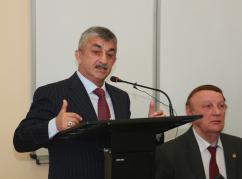 Мусса Экзеков провел встречу со студентами АГУ