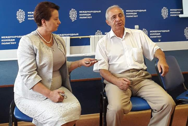 На встрече с ученым, писателем Олегом Этлуховым, Черкесск, 2019 год