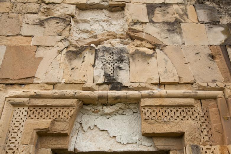 Архитектурная деталь фасада храма, Бедиа
