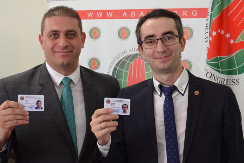 Рамазан Мхце и Ануар Чкуа с новыми удостоверениями членов ВААК