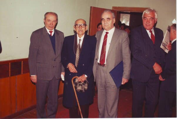 From left to right: KBSU professor H. Taov, Tevfik Esench, academician M. Kumakhov, KBSU professor V. Getigezhev. Nalchik, 1990