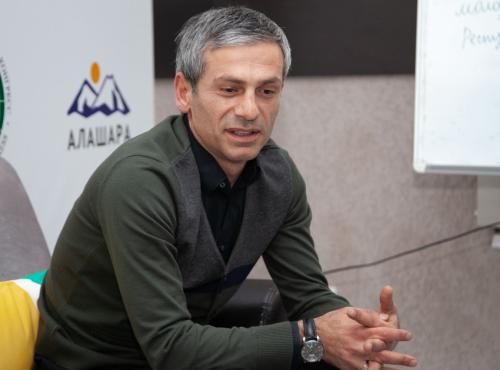 Молодежную политику обсудили на очередной встрече Дискуссионного клуба ВААК