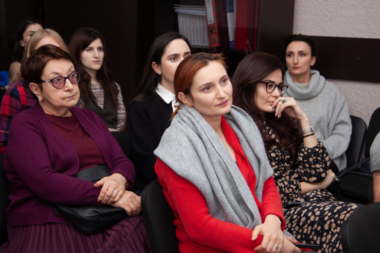 The role of women in Abkhaz society was discussed at the meeting of the WAC Discussion club