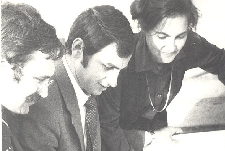 Исмель Биджев с коллегами в годы работы на стройке