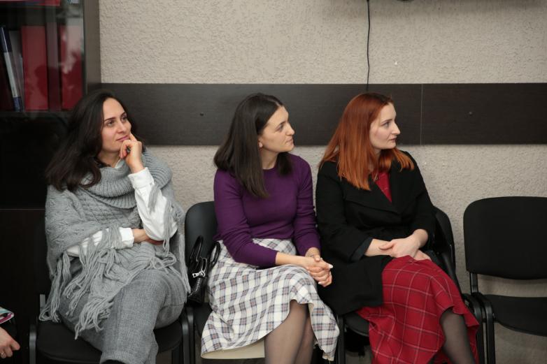 DAK Ebeveyn Kulübü psikologlar Richard ve Oksana Conner ile bir araya geldi