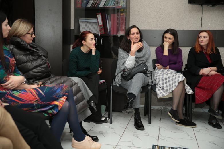 Родительский клуб ВААК провел встречу с психологами Ричардом и Оксаной Коннер