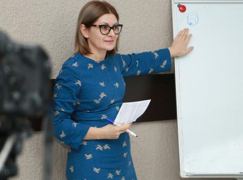 Коуч Астанда Садзба стала гостем Родительского клуба ВААК с темой – воспитание лидеров.