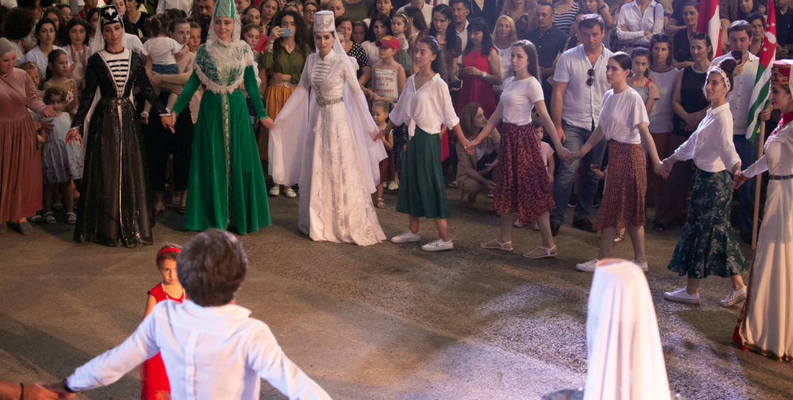 """The culmination of the evening was the Abkhazian round dance """"Aurasha"""", in which all comers took part."""