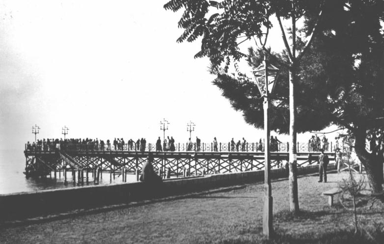 Embankment, Sukhum at the beginning of the twentieth century