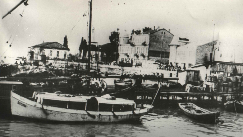 Сухумский порт, фото начала ХХ века