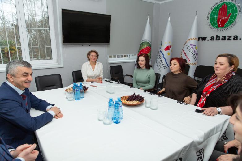 Mussa Ekzekov met with representatives of the WAC Women's Council.