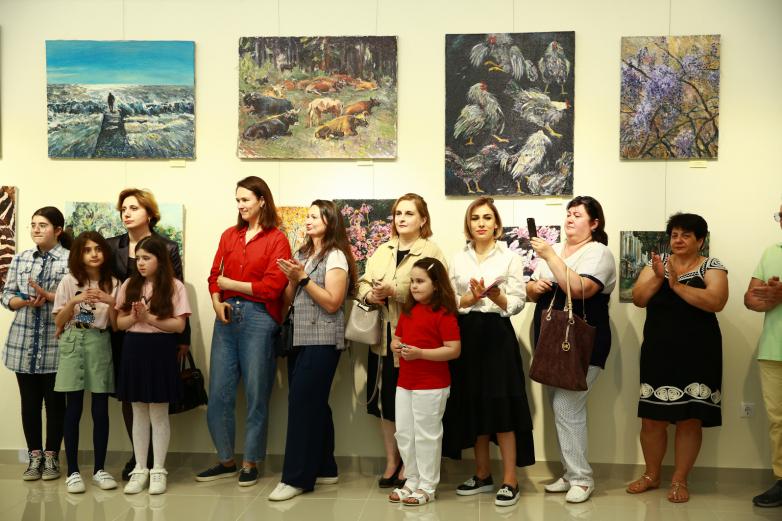 «Абхазия в красках»: выставка работ Елены Назаровой открылась в Гудауте