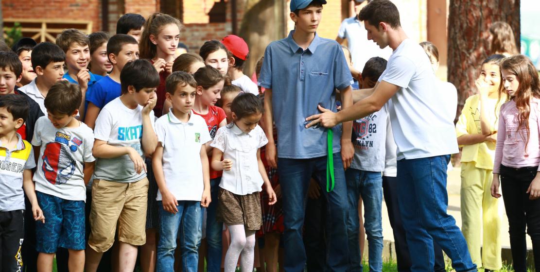 أحيا المؤتمر العالمي لشعب الاباظة وبالتعاون مع الإدارة المحلية حفلا للأطفال في مدينة غوداؤوتا