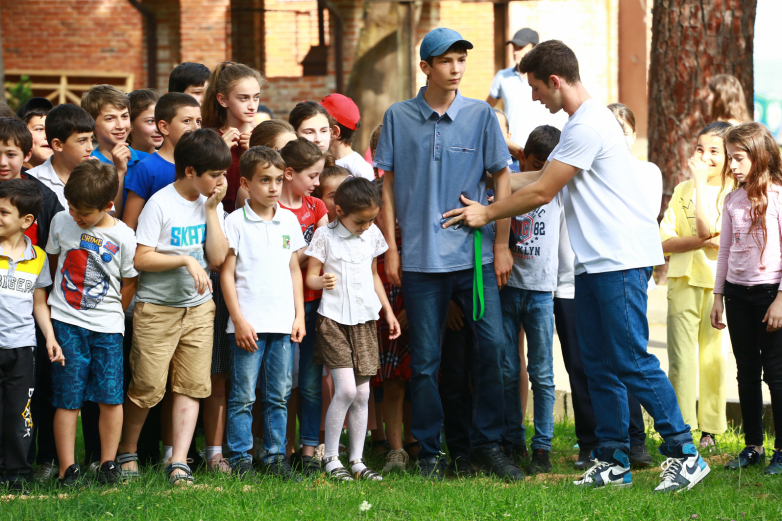 WAC and the administration of Gudauta held a children's holiday