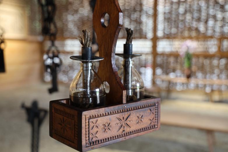 Акучаб – светильник. Традиционно его разжигали на керосине.