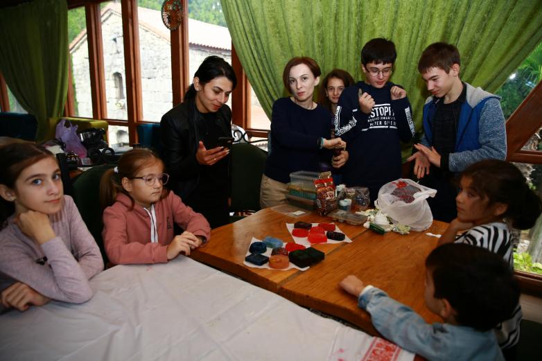 ВААК впервые провел заседание Родительского клуба в Гагре