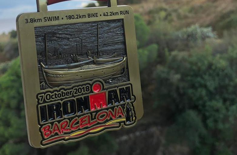 Медаль Бориса Барциц на соревнованиях по триатлону IRONAMAN в Барселоне