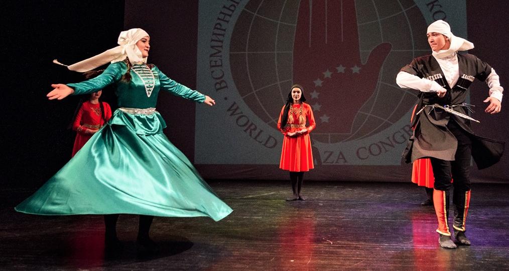 Выступление адыгского ансамбля народного танца «Нарт»