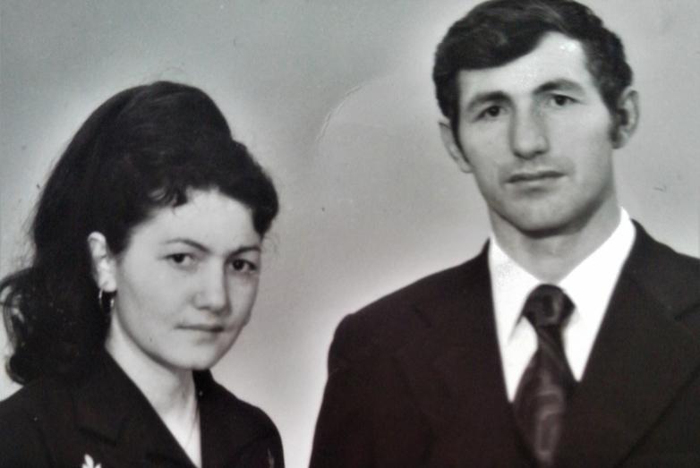 Роза с братом Мухарби во время учебы в Ташкенте