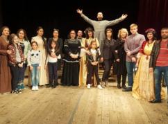"""Çerkes Tiyatrosunun """"Bir Avuç Toprak"""" adlı oyunu Rusya Kültür Bakanlığı'nın yarışmasını kazandı"""